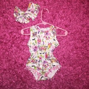 Other - Unicorn romper and bow set